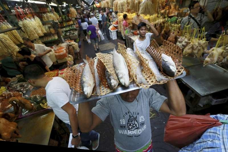 東亞地區國家正在慶祝農曆新年,而要做出精美年菜,昂貴食材可是相當重要(AP)