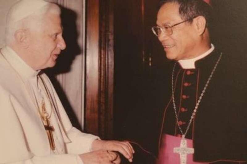 天主教台灣主教團主席洪山川認為,梵蒂岡的外交是種「價值觀」的邦交,要有正義、和平與人權。(BBC中文網)