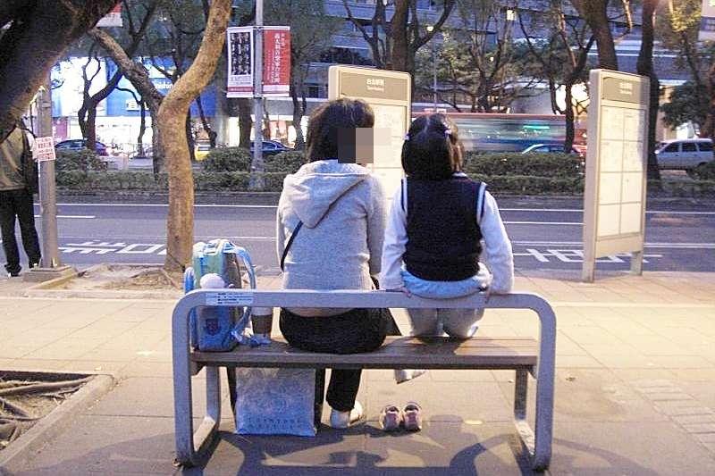 拚命讀書,真的還是現代人唯一的出路嗎?(示意圖非本人/圖取自kaurjmeb@Flickr)