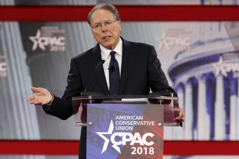 美國全國步槍協會(NRA)執行長拉皮耶22日出席「保守派政治行動會議」年會,抨擊那些支持控槍者是政治炒作(美聯社)