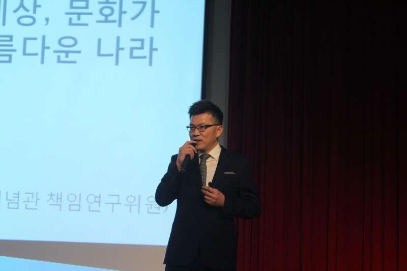 韓國獨立紀念館資深研究員金周溶,講解「金九先生與韓台關係」。(蔡亦寧攝)