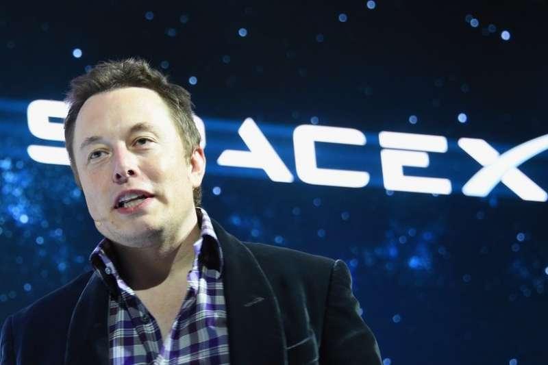 馬斯克稱2024年將建成覆蓋全球衛星網,提供高速互聯網接入服務。(BBC中文網)