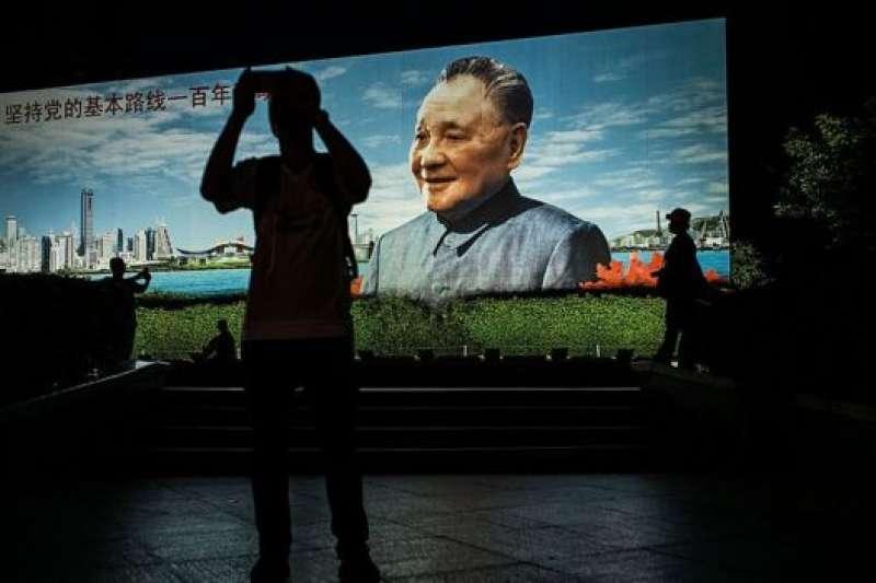 李大同認為,憲法有關中國國家領導人任期的規定,是鄧小平最重要的政治遺產之一。(BBC中文網)