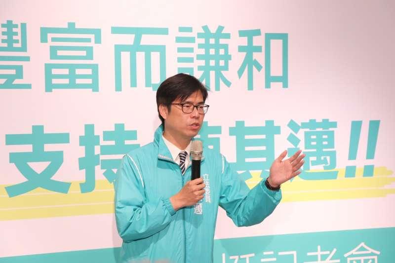 大社會民調中心今27日公布一份高雄市長選舉民調顯示,民進黨提名的陳其邁支持度為45.7%,領先韓國瑜27.3%。(資料照,陳其邁辦公室提供)