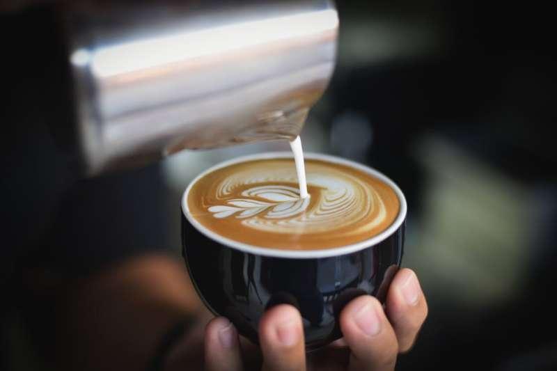 每個人喜歡的咖啡口味都不同,其實只要注意這些關鍵,就能簡單調整出自己喜歡的風味!(圖/pexels)