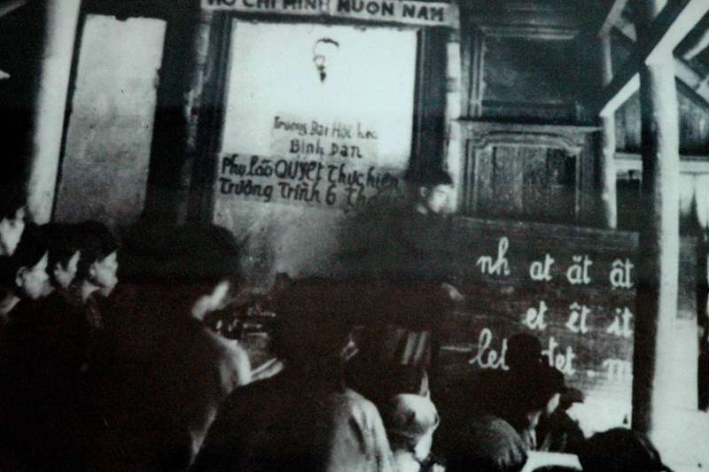 越南各地民眾響應胡志明的羅馬字政策。(圖/Nam Quốc Văn提供|想想論壇)