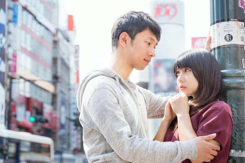 跟老婆沒同房,想外遇找新對象?呂秋遠這樣回答他…(圖/pakutaso)