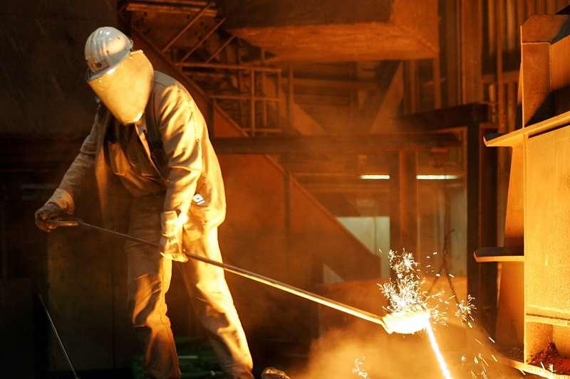 2018年3月,川普發動貿易戰,歐洲鋼鐵業受衝擊(AP)