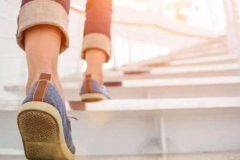 運動有助減少肥胖和疾病。(BBC中文網)