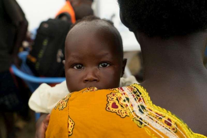 烏干達國內難民營人數暴增,糧食及環境衛生各種問題接踵而來,難民問題的長遠之道看似無解。(AP)
