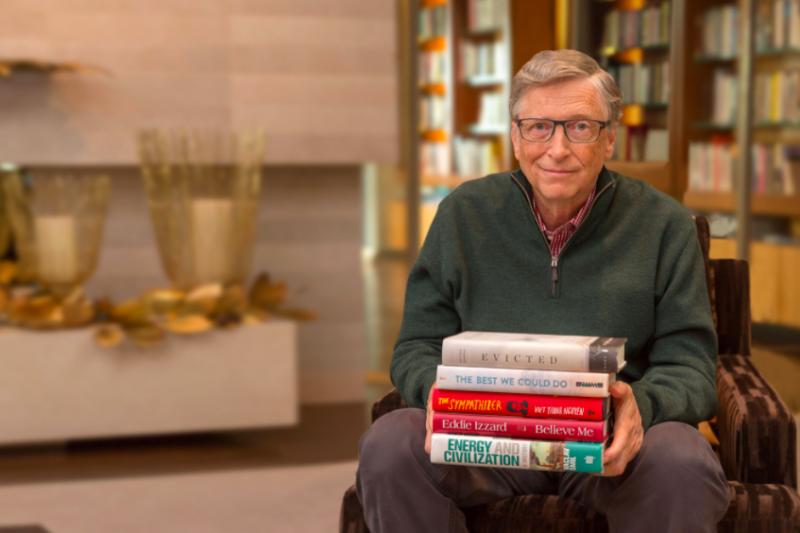 2018年才剛進入到第3個月,大書蟲比爾蓋茲(Bill Gates)已迫不及待向大眾分享他的兩本愛書。(圖/gatesnote)