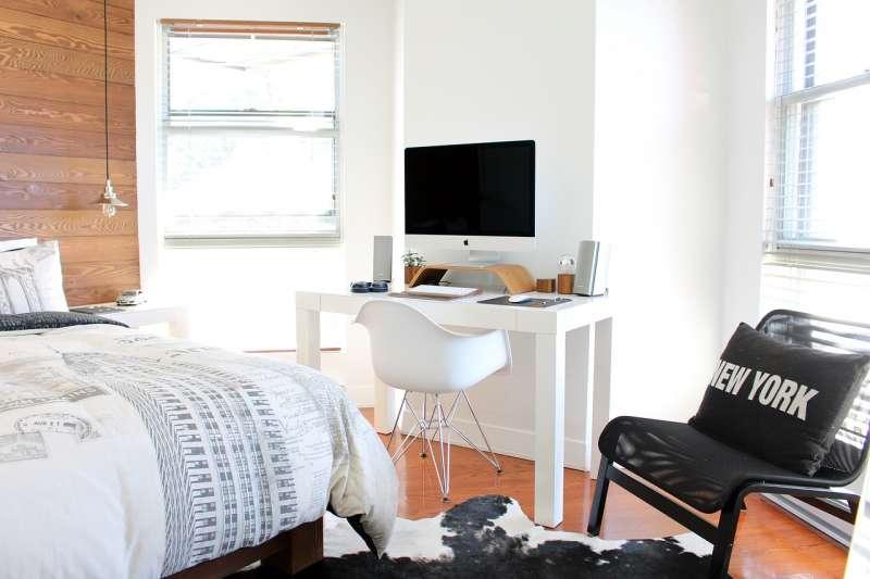 乾淨整潔的房間不僅能讓心情變好,還能讓身體更健康。(圖/Pixabay)