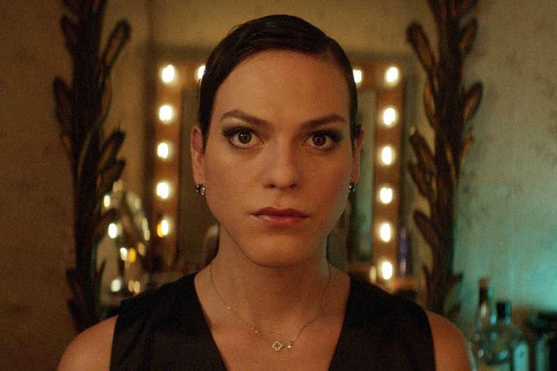 在奧斯卡最佳外語片《不思議女人》中,飾演跨性別人士的女星丹妮耶拉維加,成為奧斯卡史上第一位公開跨性別身分的頒獎人。(圖/取自imdb)