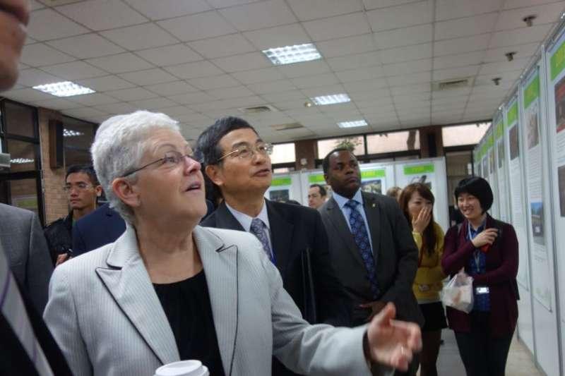 歐巴馬總統時期的部長級官員、美國環保署署長吉娜・麥卡錫訪問台北。(美國之音資料照)