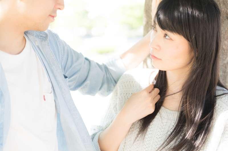 談戀愛,真的會變笨嗎?(圖/pakutaso)