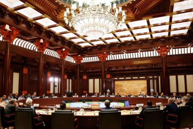 「一帶一路」國際合作高峰論壇領導人圓桌峰會,2017年5月在北京雁栖湖國際會議中心舉行。(美國之音)