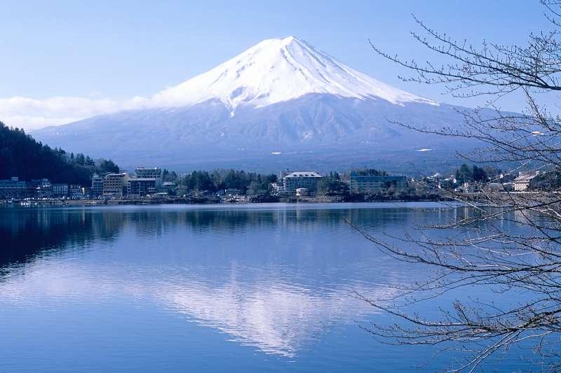 富士山美景之一的河口湖,附近也有許多知名景點,絕對是自由行或是家族旅行的好去處!(圖/Sai Mr.@flickr)