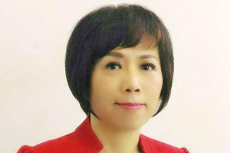 政論節目主持人黃智賢日前發表「支持一國兩制」演講,遭到各界批評。(取自臉書粉絲專頁「黃智賢世界」)