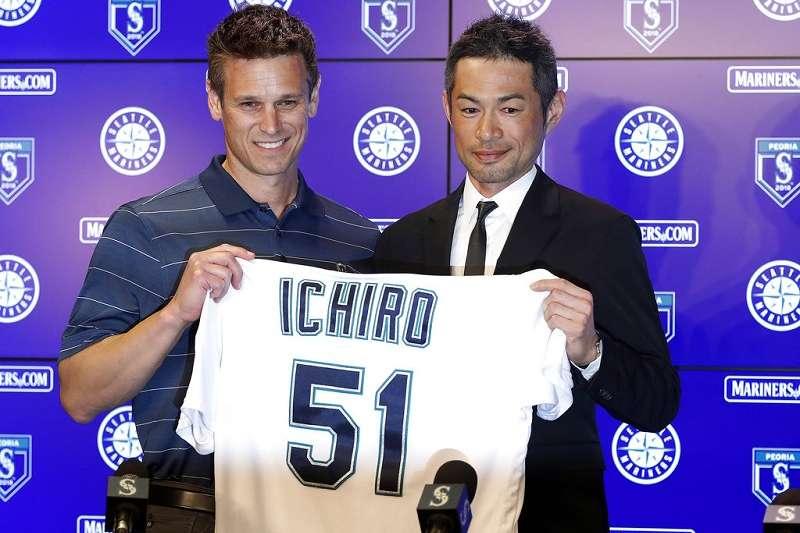 鈴木一朗(右)重回水手,延續大聯盟生涯進入第18個球季。(美聯社)
