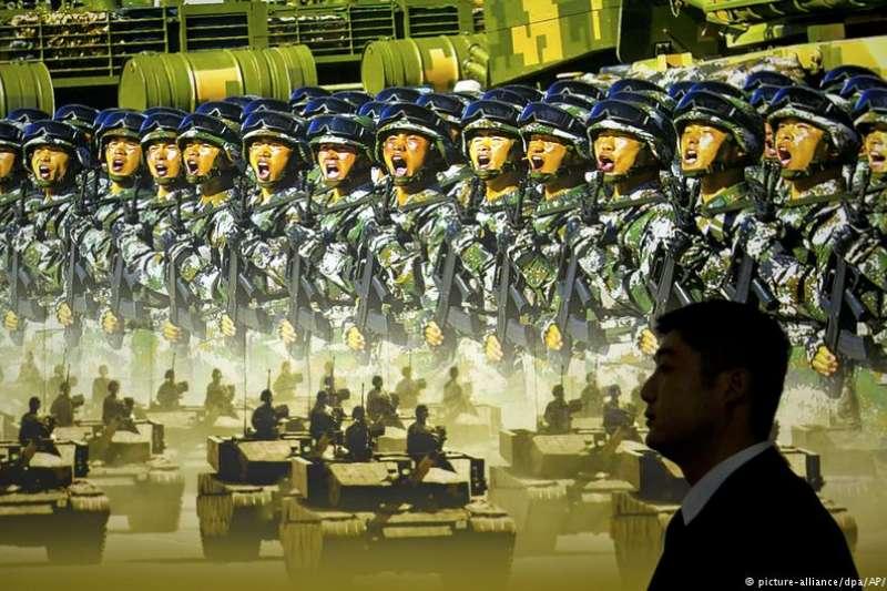 目前中國的國防支出僅次於美國,以1.1兆元(折合1730億美元)位居世界第二。(德國之聲)