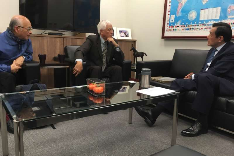 hr在台大教授黃光國安排下,中國大陸異議人士王希哲於7日下午拜會馬前總統,並談及「一國良制」等兩岸議題。(馬英九辦公室提供).jpg