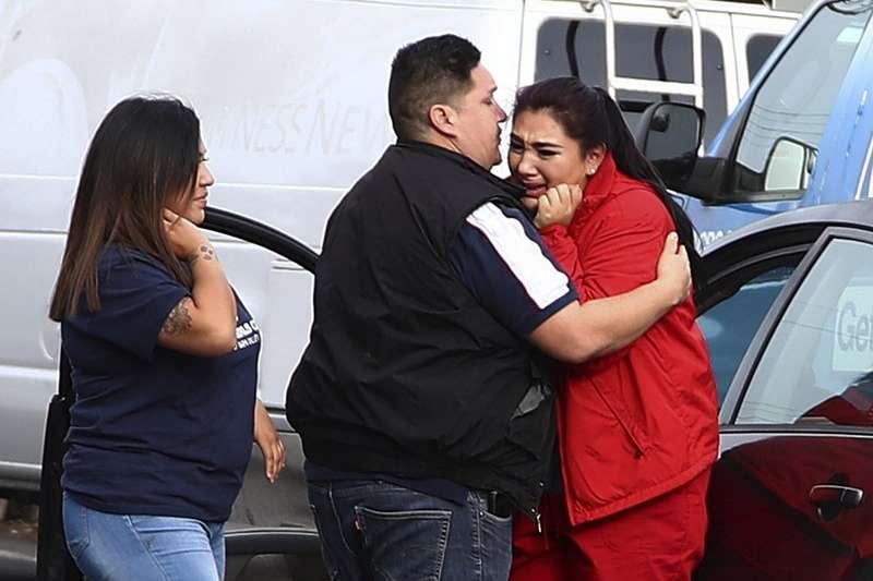 美國加州一間退伍軍人之家9日發生一起槍擊案,造成4人死亡,目擊者眼神驚恐。(AP)