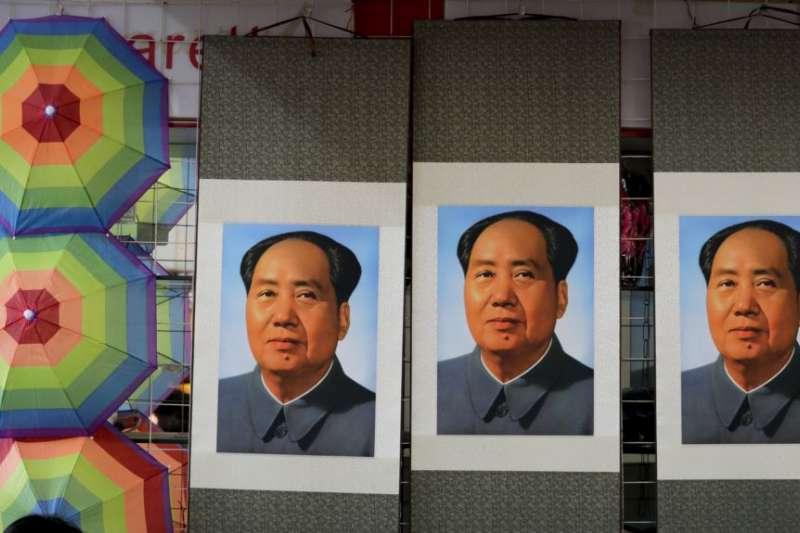 毛澤東時期,名義上維護蘇聯「老大哥」的地位,但他的很多言行已然表露出「坐二望一」、「彼可取而代之」的野心。(美聯社)