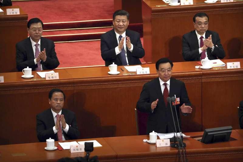 2018年3月11日,中國第十三屆全國人大一次會議表決通過包括取消國家主席任期在內的修憲案(AP)