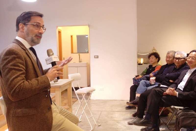 卡內基國際事務倫理委員會的高級研究員Alexander Görlach受長風基金會之邀,以「新民粹運動後的媒體定位」為題進行演講。(Alexander Görlach提供)