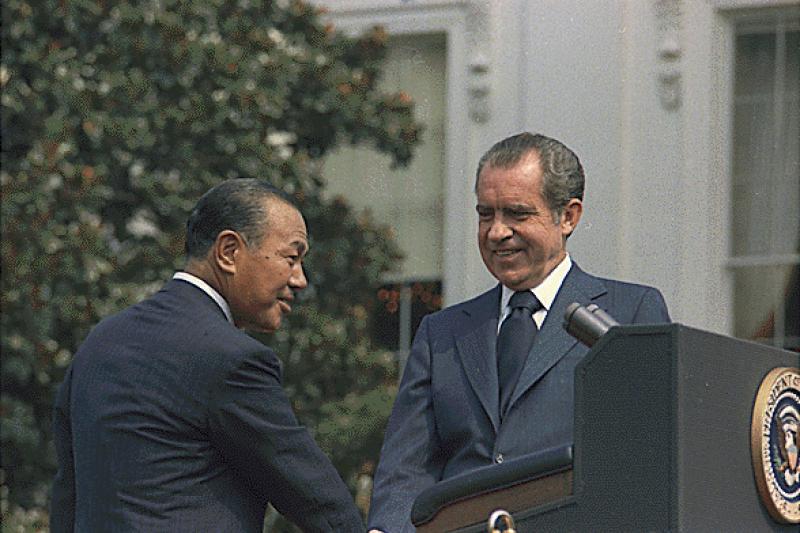日本前首相田中角榮與美國前總統尼克森。(取自維基百科)