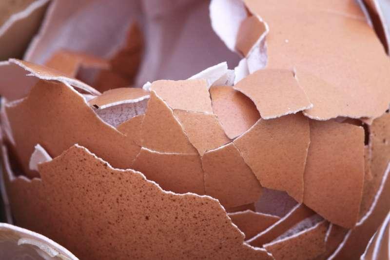 蛋殼、可樂...生活中有很多不起眼的小東西,其實是清潔良品喔!(圖/Pixabay)