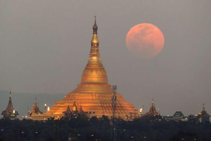 緬甸首都奈比多( Naypyidaw)的烏帕塔桑蒂佛塔( Uppatasanti Pagoda )。(AP)