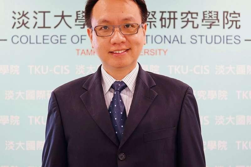 淡江大學國際事務與戰略研究所長李大中