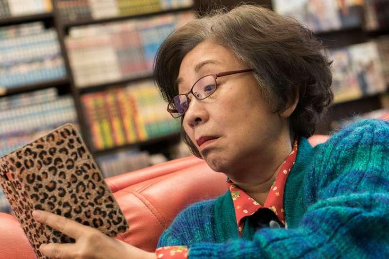 老奶奶在被宣告罹癌後開啟直播頻道,與無數網友共享生命的喜悅與哀傷。(圖/2018國際兒童影展提供)