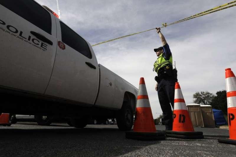 德州首府奧斯汀18日發生本月第4起爆炸案,警方拉起封鎖線。(AP)
