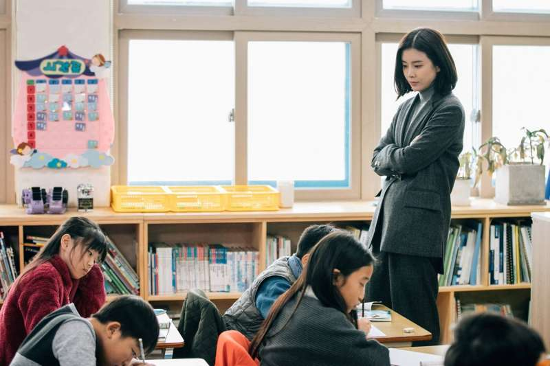 提早訓練孩子背書、讀經,有助於記憶力提升嗎?洪蘭用科學證據,告訴你教養的解答。(圖/tvN(티비엔)@facebook)