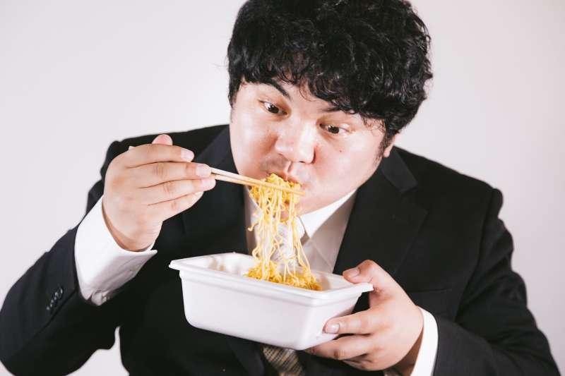 現代人的文明病大多與吃的太精緻有關。(圖/Pakutaso)