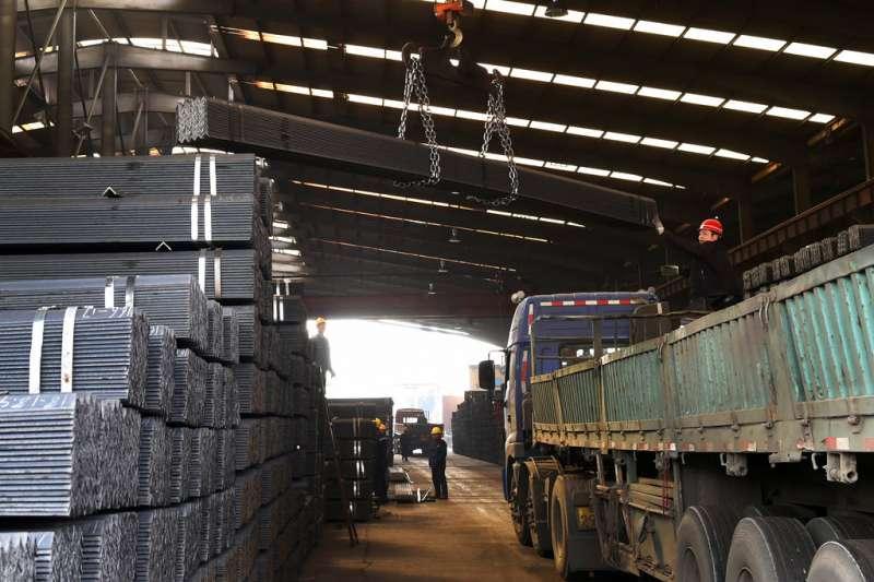 中國山東省的鋼鐵廠。(美聯社)