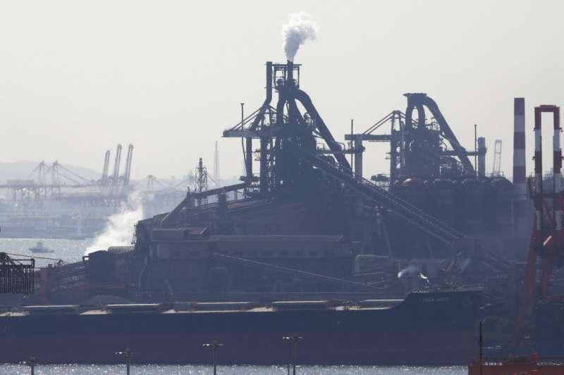 日本川崎市的JEF鋼鐵廠。(美聯社)