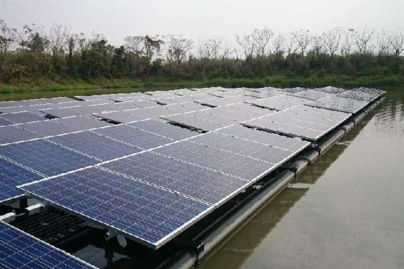 2020總統大選,綠能產業公開選邊站,組成後援大會支持蔡總統連任。太陽能綠電示意圖。(資料照,屏東縣政府提供)