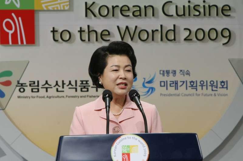 南韓前第一夫人、前總統李明博之妻金潤玉(Korea.net @Wikipedia / CC BY-SA 2.0)