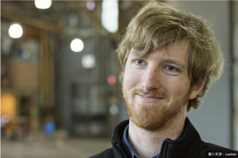 兩歲能背元素週期表、17歲投身創業,奧斯汀・羅素(Austin Russell)想用可靠的概念做根本性的創新,比起賺大錢,更想用科技救人一命。 (圖/Luminar)
