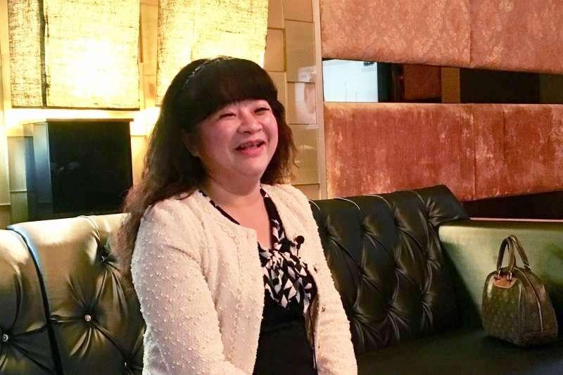 謝慧謹是酒店「媽咪」,更是帶給無數孩子歡樂的慈善「白雪公主」。(圖/鐘敏瑜攝)