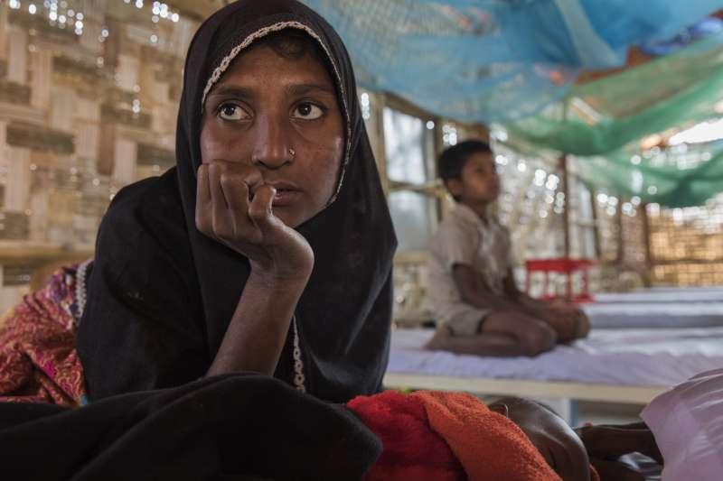 胡梅拉,攝於無國界醫生在賈姆托利的初級醫療中心病房中。(MSF223628 ©Anna Surinyach)
