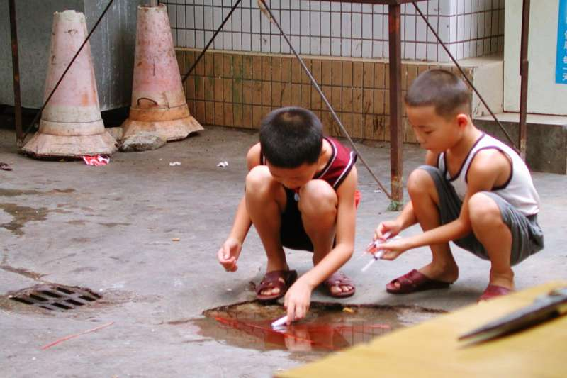 日本是一個凸出的樁子會挨打,過於要求同調的社會。這是霸凌的根源。(示意圖/ Silly Rabbit, Trix are for Kids @