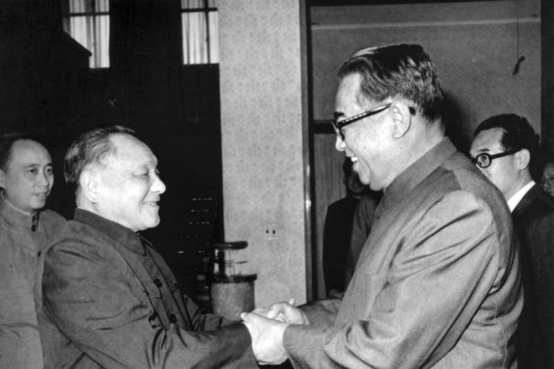 1982年,北韓第一代領導人金日成曾在北京與鄧小平會面。(美聯社)