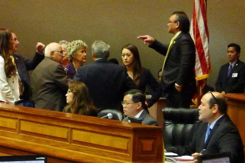 資料照,夏威夷參議會29日通過醫療協助自殺合法化法案。(美聯社)