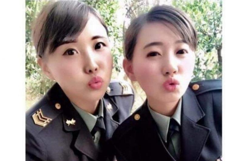 國軍打美女牌募兵引爭議。(Instagram)