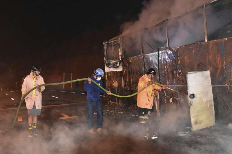 泰國巴士火燒車,20名緬甸移工葬生火窟 3人受傷。(美聯社)
