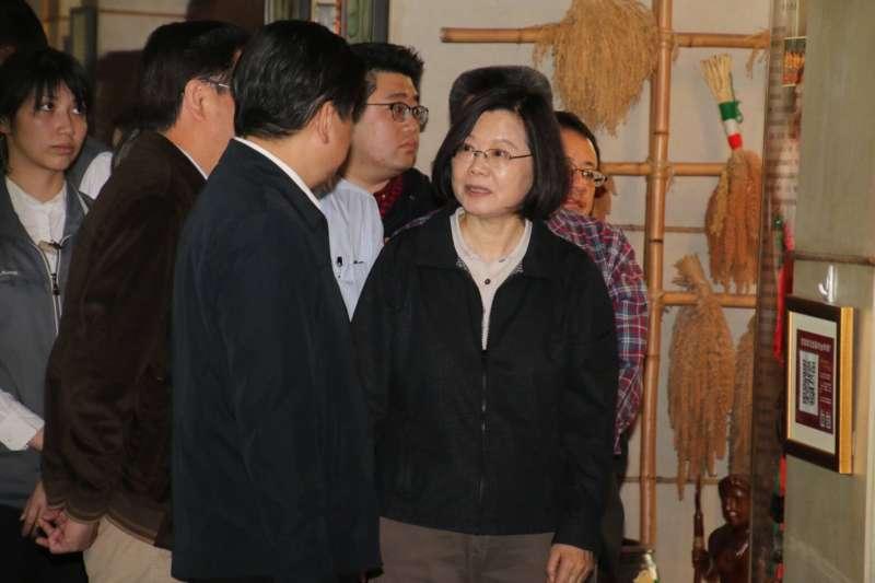 總統蔡英文進行2天1夜訪視花蓮,盼提振觀光產業信心。(花蓮隨行記者團)